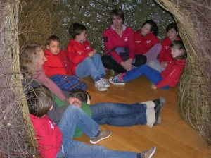 Dunannie Pupils mesmerised by woven sculptures at Winchester Discovery Centre