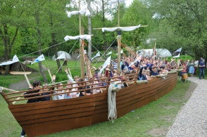 Dunhurst students build replica Mary Rose in Tudor project